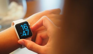 What is smartwatch and what can it do