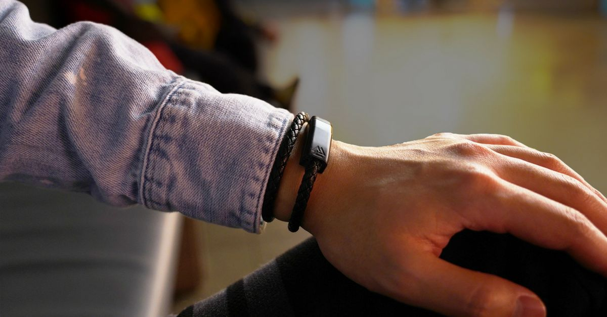 NILS wearable charging cable in form of bracelet