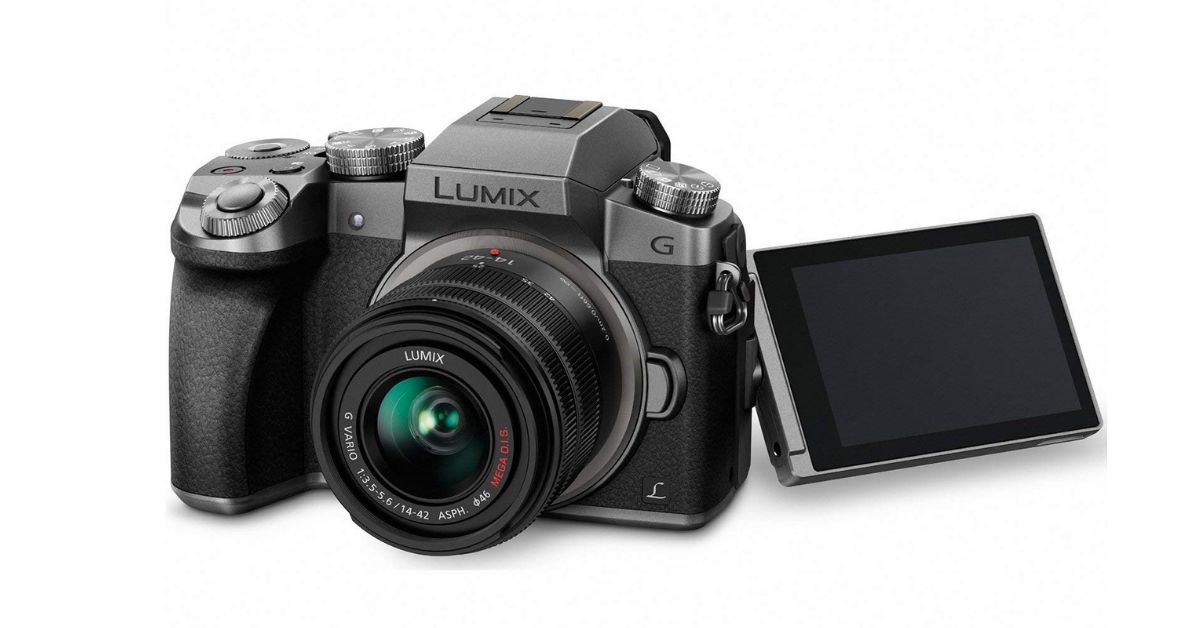 Panasonic Lumix G7 - cheap vlogging camera with flip screen