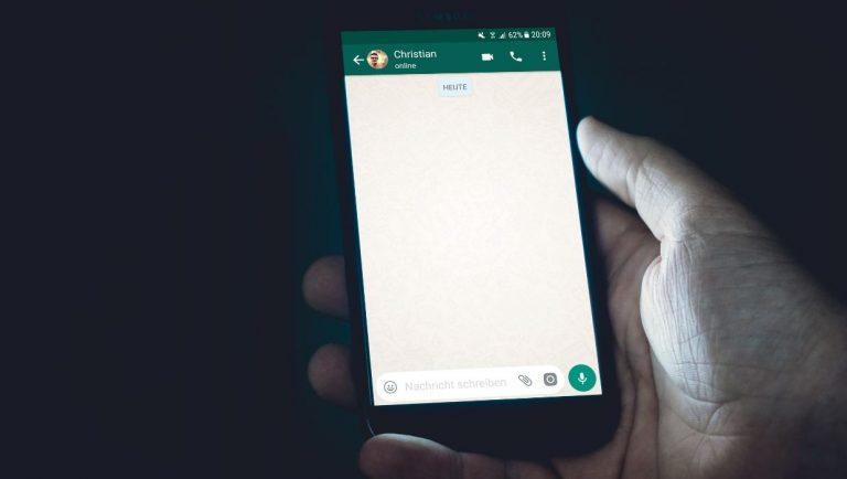 How To Change WhatsApp Language On Android and iPhone