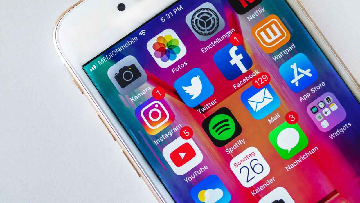 How to Unsubscribe From YouTube, Facebook, Instagram And Twitter Emails